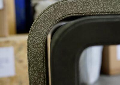 tavolini ad incastro pelle stampa caluchat con curvatura personalizzata
