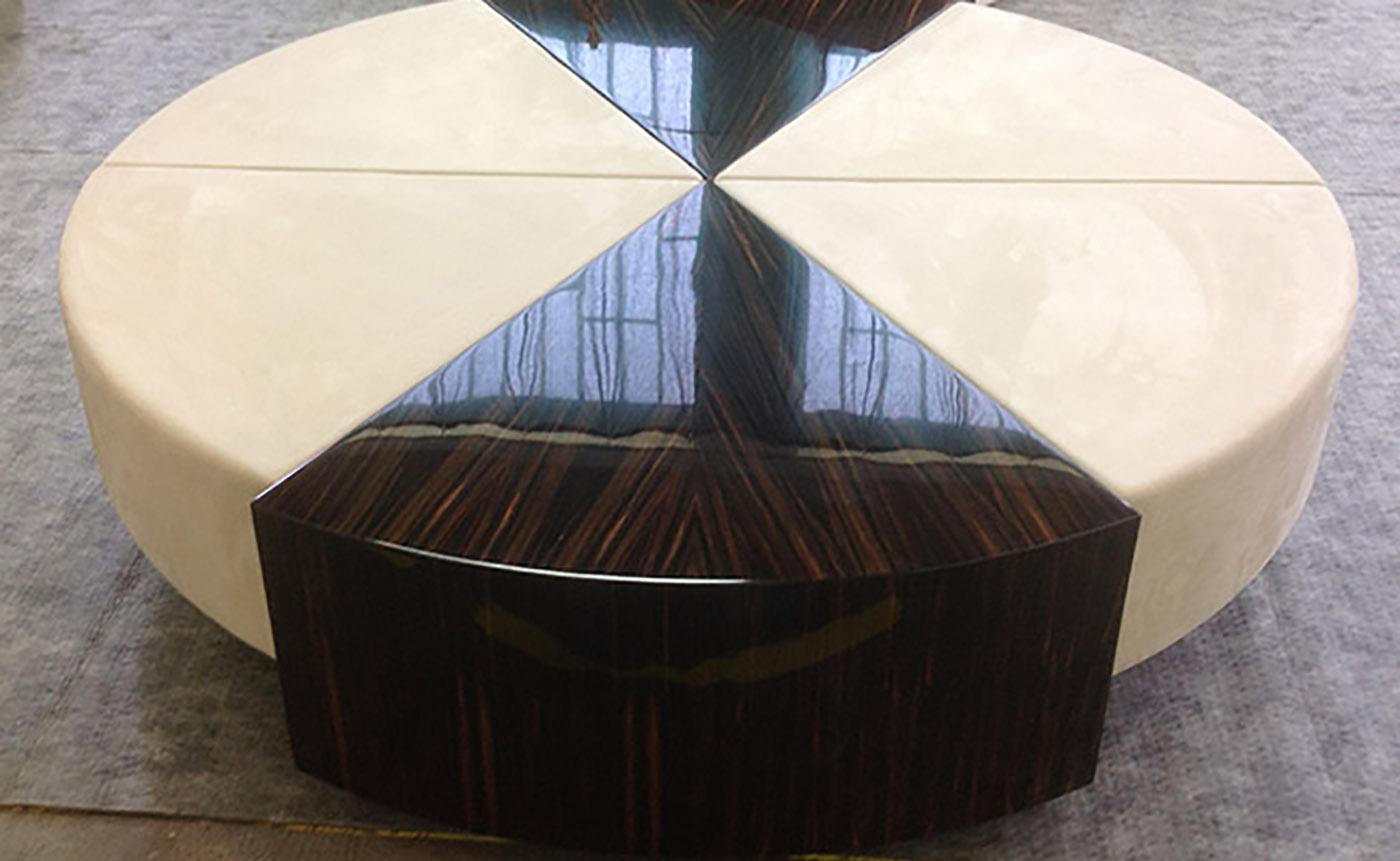 tavolino per salotto in legno macassar e nabuk