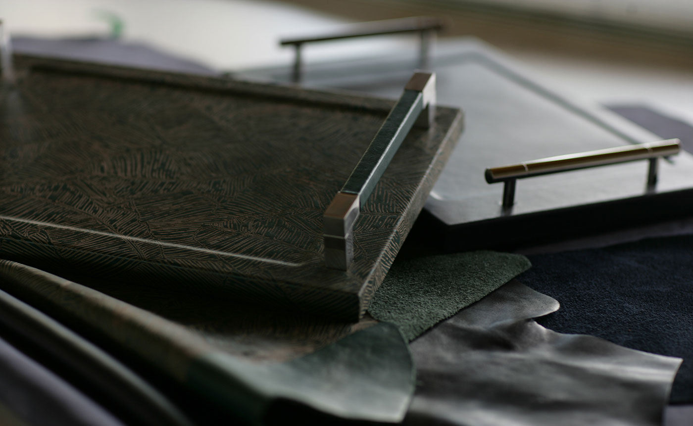 vassoi modello montecarlo con maniglie in acciaio